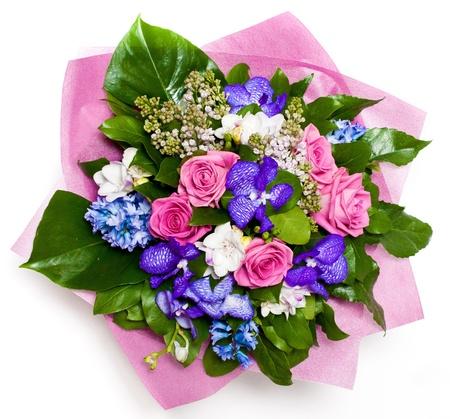 bouquet fleur: bouquet de fleurs de roses et de lilas dans un vase Banque d'images