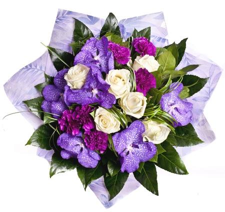 clavel: ramo de violetas flowrs aislado en blanco Foto de archivo