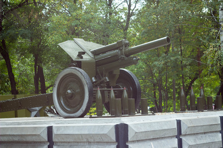 wheel barrel: artillery weapons on wheels armor barrel shells