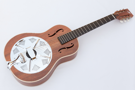 Resonator acoustic guitar made by luthier Luciano Queiroz, Mahogany body. Stockfoto