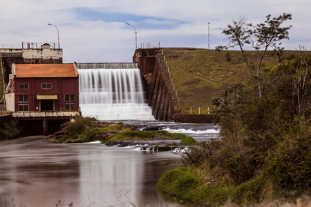 Scene of a small hydroelectric plant in rural Brazil - Candido Mota, SP - Pari-Veado river Stockfoto
