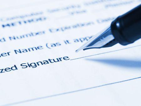 persona escribiendo: Escribir la firma (Persona que escribe su firma)