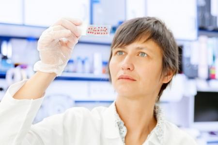 científico analizar sector tejido biológico Foto de archivo