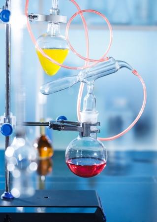 destilacion: La destilación de instalar en el laboratorio de química