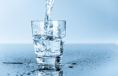 acqua vetro: bicchiere d'acqua potabile