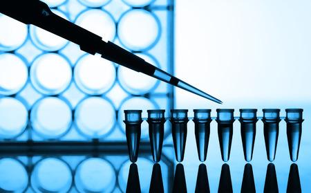 laboratorio: Microtubos y la prueba de laboratorio micropipeta