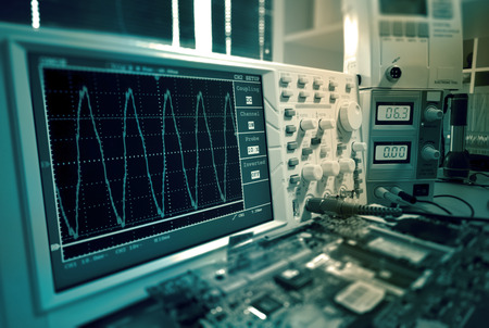 Measurement of a waveform with an oscilloscope
