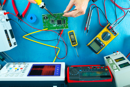 oscillograph: electronic measuring instruments