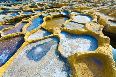 sal: Estanques de evaporaci�n de sal, salinas, salinas en Qbajjar en la isla maltesa de Gozo, Malta