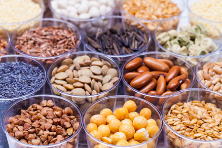agricultura: granos agrícolas y legumbres en el laboratorio