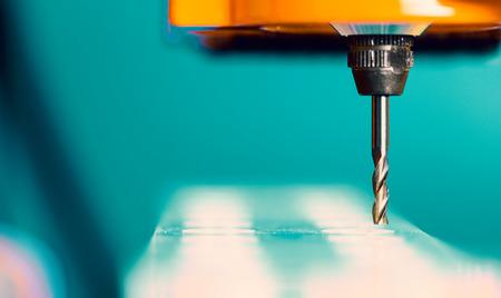 Snijder CNC router en kunststof onderdelen van glas Stockfoto - 41810959