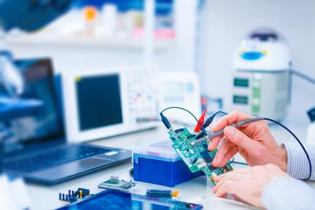 mano robotica: placa de circuito impreso para el robot