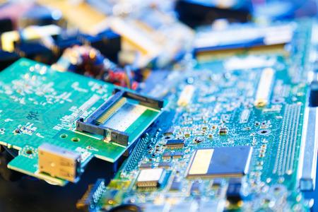 reciclar: reciclar componentes electrónicos viejos pcb