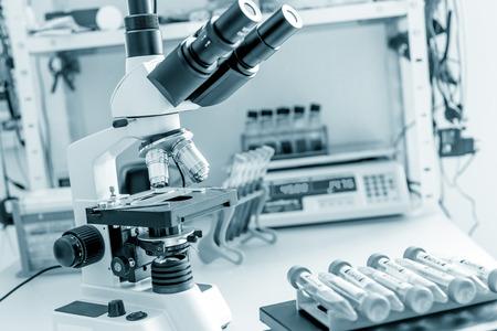 微生物研究室のワークベンチ