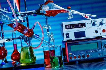 educacion fisica: Equipos de laboratorio de química física Foto de archivo