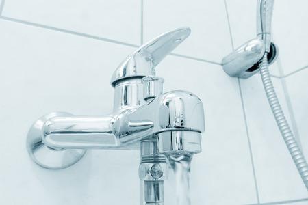 faucet: faucet