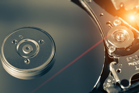disco duro: HDD desensamblado
