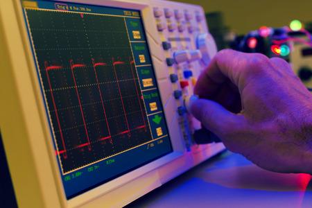 Using the microscope electronics laboratory