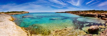 blue lagoon: Sea bay on the island of Mallorca. Blue Lagoon Archivio Fotografico