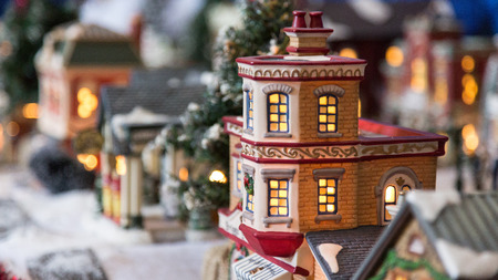 toy house: Christmas toy house