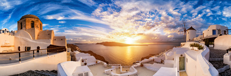 Sunset on Oia, Santorini. Greece Фото со стока