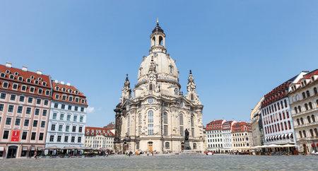 DRESDEN, DEUTSCHLAND - Juni 2016: Dresden - Frauenkirche, Deutschland