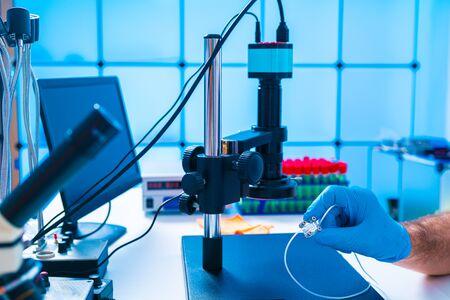 Diseño de dispositivo Lab On Chip en laboratorio de microfluidos