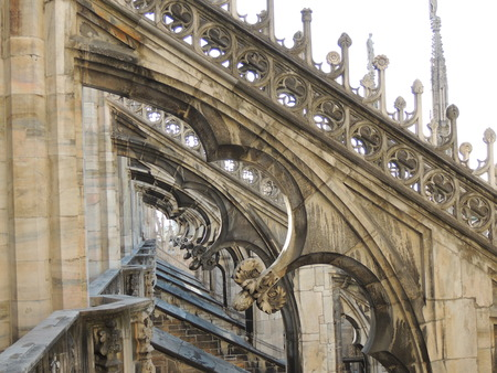 arcos de piedra: terraces of the Duomo in Milan, detail of stone arches