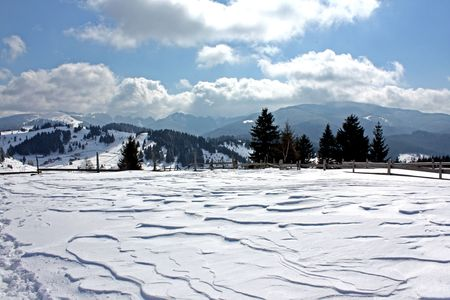 Frozen plateau in the Charpatian mountains. Stock Photo - 5003168