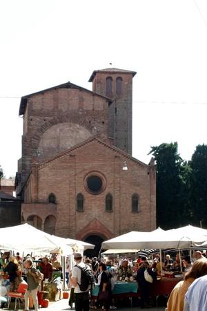 Bologna 09.12.2010 - Flea market in Bologna city, Italy Stock Photo - 7996507