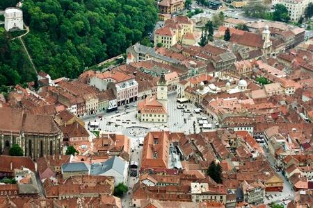 central square: Veduta aerea della piazza centrale dalla citt� di Brasov Archivio Fotografico