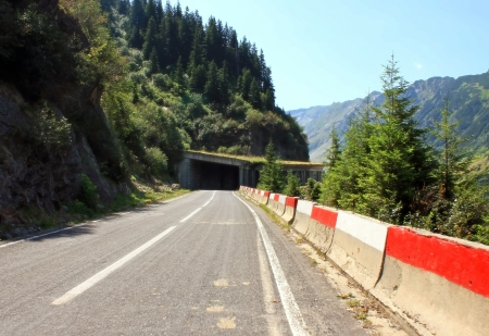 Transfagarasan road between mountains photo