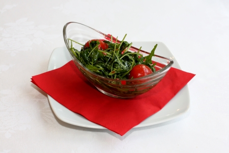 ruccola: Ruccola salad with cherry tomatoes