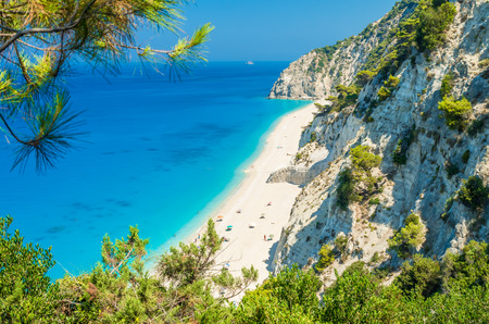Egremni beach, Lefkada island, Greece. Large and long beach with turquoise water on the island of Lefkada in Greece Zdjęcie Seryjne - 43473196