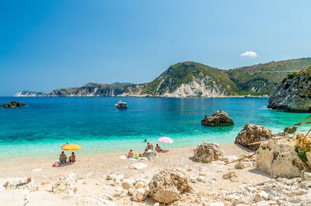 paisaje mediterraneo: Playa Agia Eleni en la isla de Cefalonia, Grecia. Una de las más bellas playas rocosas salvajes de Cefalonia.