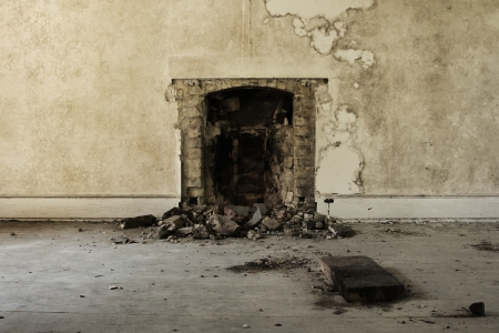 Old broken fireplace in an abandoned derelict building Stock Photo - 14993975