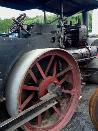 MAQUINA DE VAPOR: un gran motor de la m�quina de vapor hist�rica de edad Foto de archivo