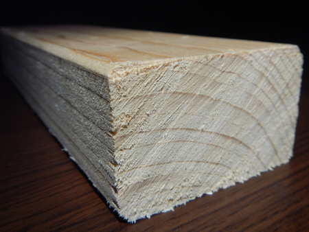 prisma: un corte prisma de madera para otra obra