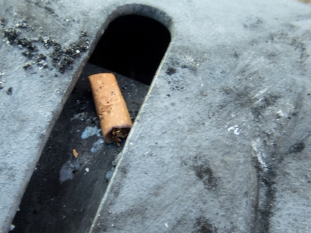 detail of cigarette butt in an ashtray 写真素材