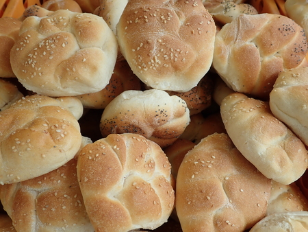 detail of a fresh homemade baked bread in abundance 免版税图像