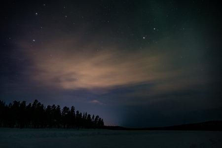 beautiful amazing northern lights aurora borealis in lappland Foto de archivo