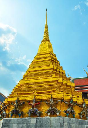 kaew: Pagoda of wat phra kaew temple.