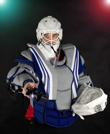 Hockey goalie invites you to play eports.Electronic sports are popular.Hockey goalie gives you a controller from the game console. Let's play and qualify for the electronic sport.