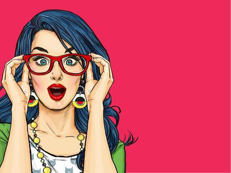 Fille de Pop Art surprise dans des verres. Invitation à la fête. Carte d'anniversaire. , Femme comique. Fille sexy. Femme étonnée. Vente, wow, mignon, lèvres, hippie, visage, merveille, tentation, butin, choc, potins, look