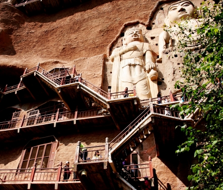 place of interest: the Maijishan Grottoes-the famous place of interest in China