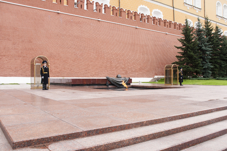 tomb of the unknown soldier in moscow kremin