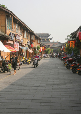 Lin quong ancient town in china Редакционное