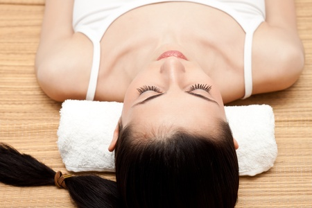 woman relaxing in a spa salon  Stock Photo - 9129413