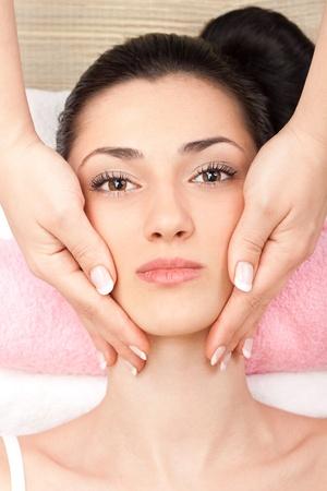 spa treatment of head at spa center Stock Photo - 9617100