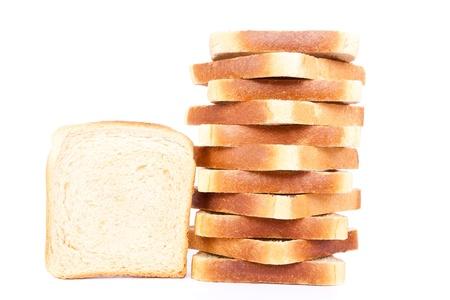 буханка: нарезанного сливочного масла тост, на белом фоне